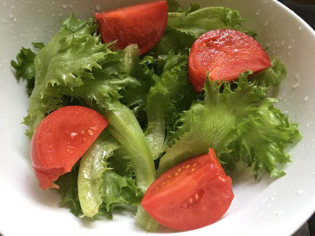 レタスとトマト